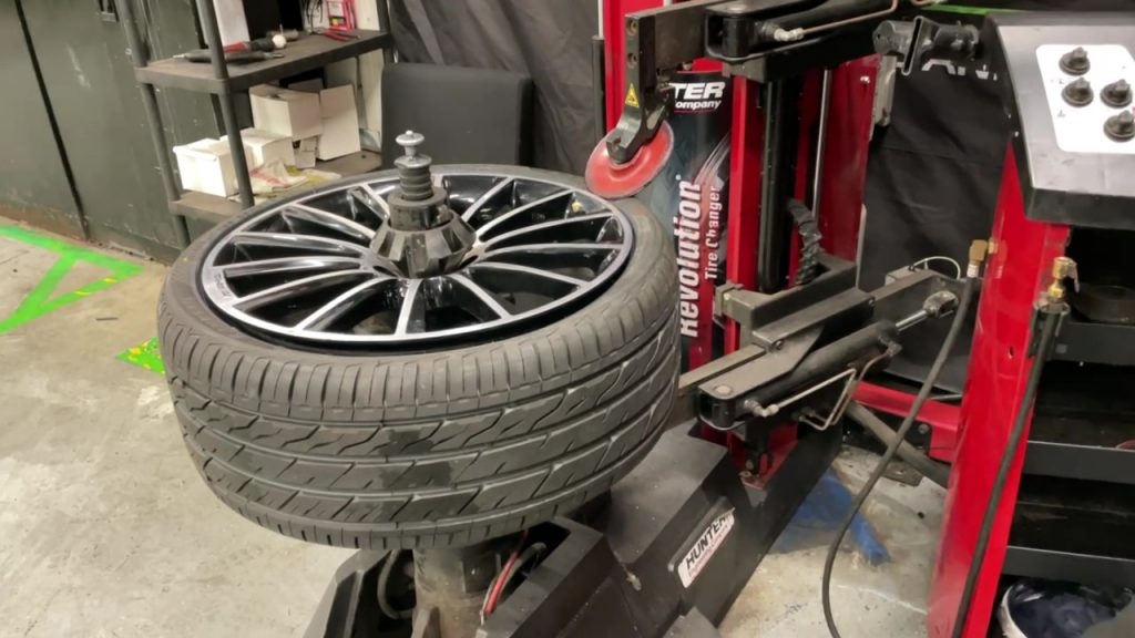 Fast, Efficient & Completely Scratch Free Tyre Changing at Premier Group